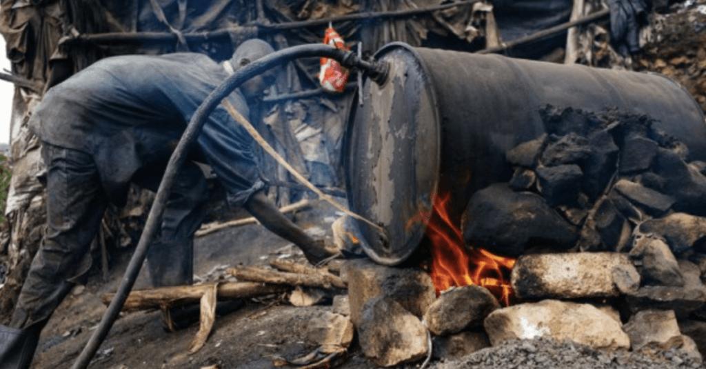 Photo de la préparation d'alcool en Afrique